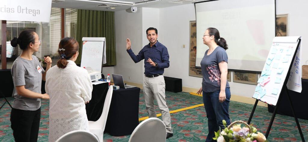 Lauro Macias Ortega, en pline préparation pour une formation en Chine